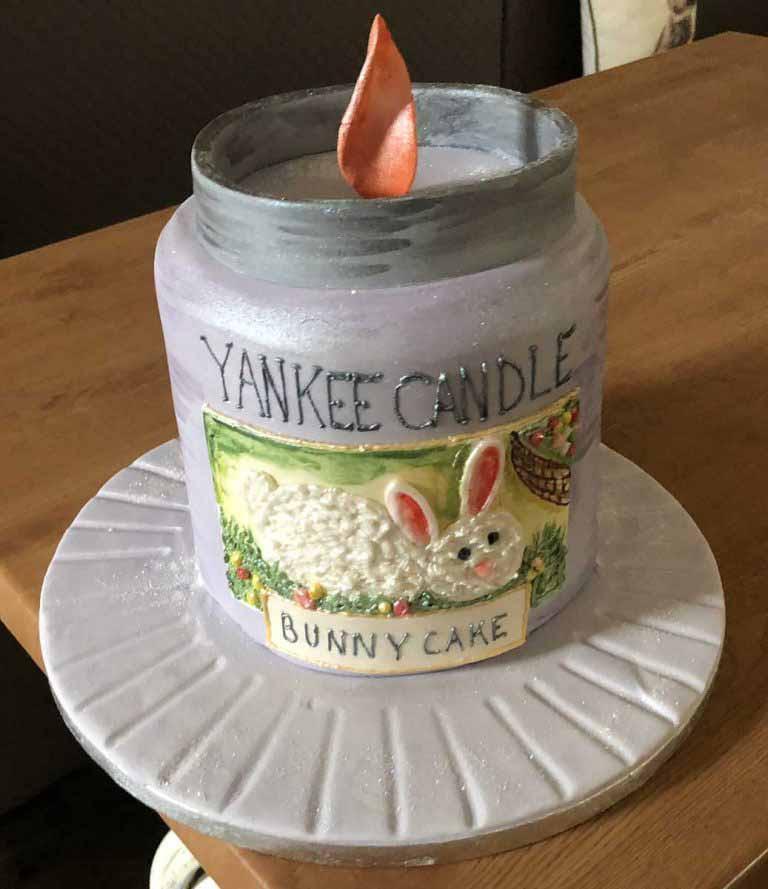 Yankee Candle Cake
